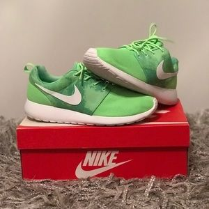 2ef548b3bd3f Nike Shoes - Nike Roshe Run Print- Flash Lime White Shoes